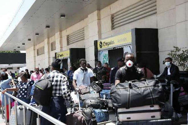Dificuldades forçam regresso ao país de imigrantes angolanos em Portugal