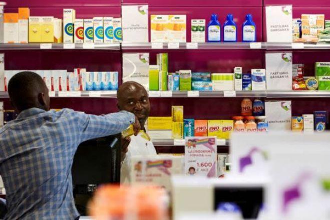 Covid-19: Detidos dois farmacêuticos em Luanda por especulação de preços