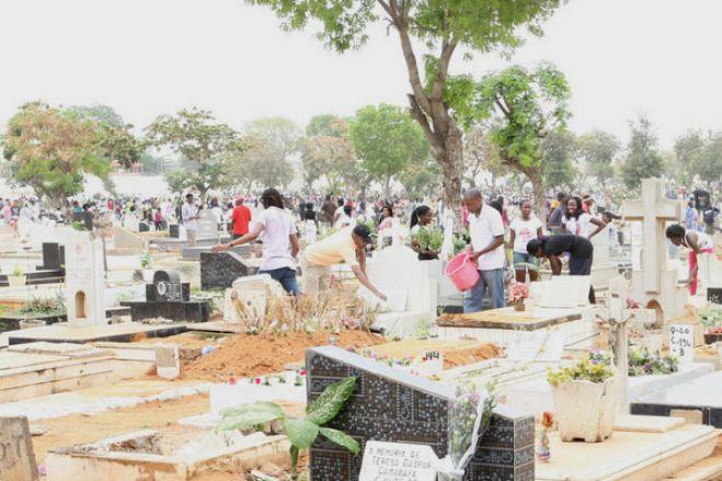 Luanda suspende atividades do Dia de Finados e idas aos cemitérios