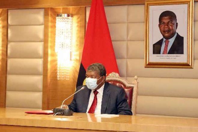 Orçamento do Estado angolano suspende regalias para políticos em 2021