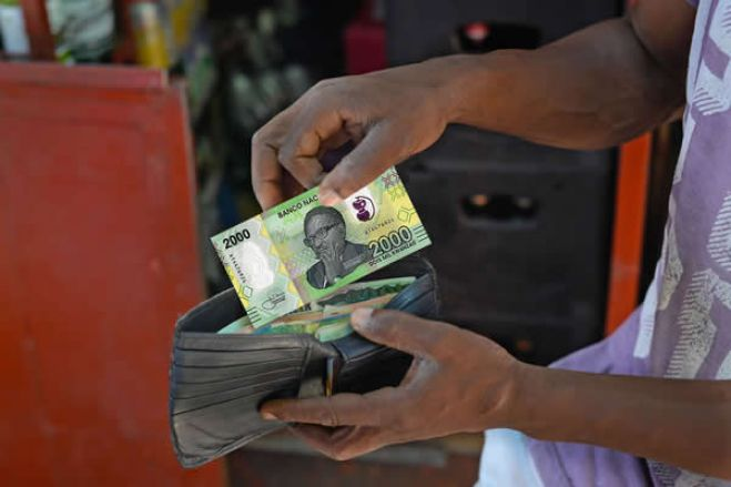 Dinheiro em circulação diminuiu cerca de 7% em Janeiro de 2021