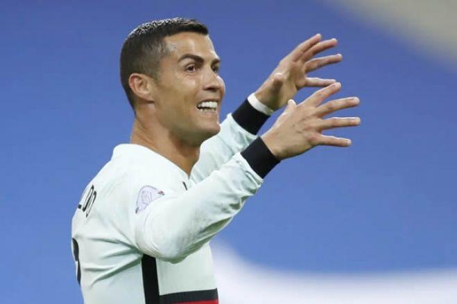Cristiano Ronaldo é diagnosticado com covid-19 e vai desfalcar Portuga