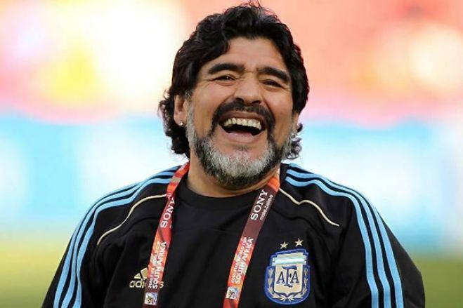 Diego Maradona morre após parada cardiorrespiratória