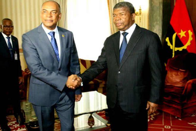 Após ataques contra UNITA, angolanos sugerem que PR vá ao debate com Adalberto Júnior
