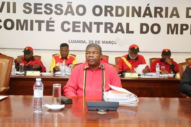 Denunciadas campanhas contra o líder do MPLA