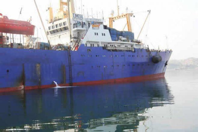 Autoridades angolanas iniciaram descarga coerciva de peixe apreendido a navio ucraniano