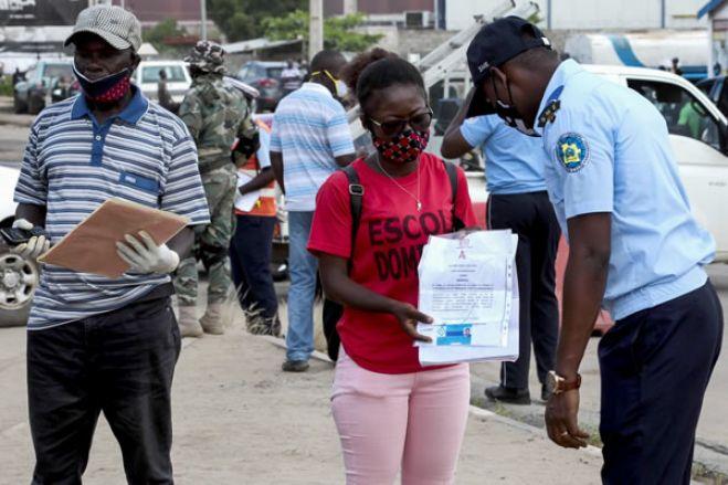 Para sair de Luanda: Teste de covid-19 negativo e guia de missão emitida pela empresa