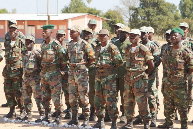 Covid-19: Militares angolanos em prontidão para impedir transgressão ao estado de emergência