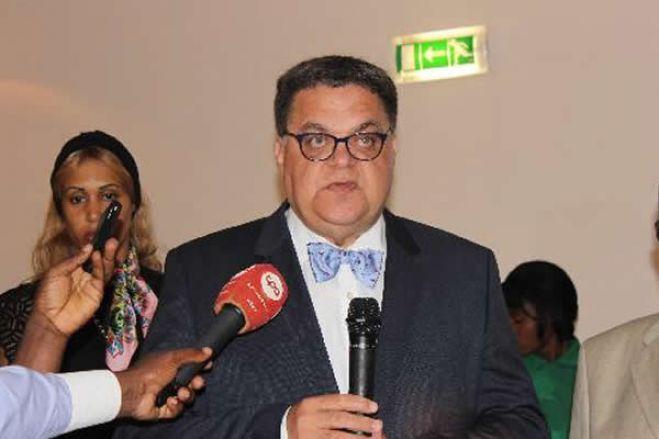Carlos São Vicente fica em prisão preventiva na cadeia de Viana em Luanda