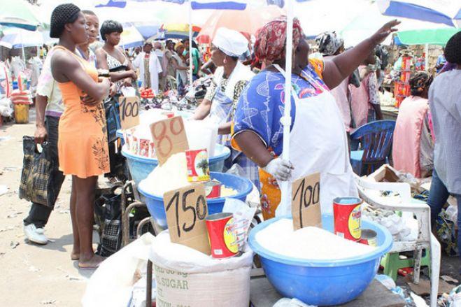 Estado de Emergência: Mercados funcionam com horário limitado