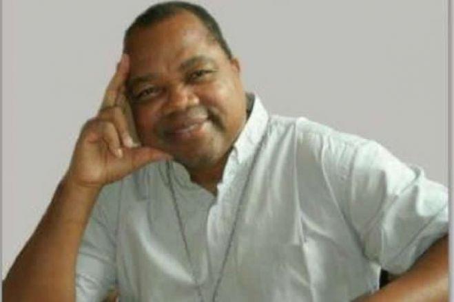 Padre angolano morreu em França, dois internados em Portugal e dois na China