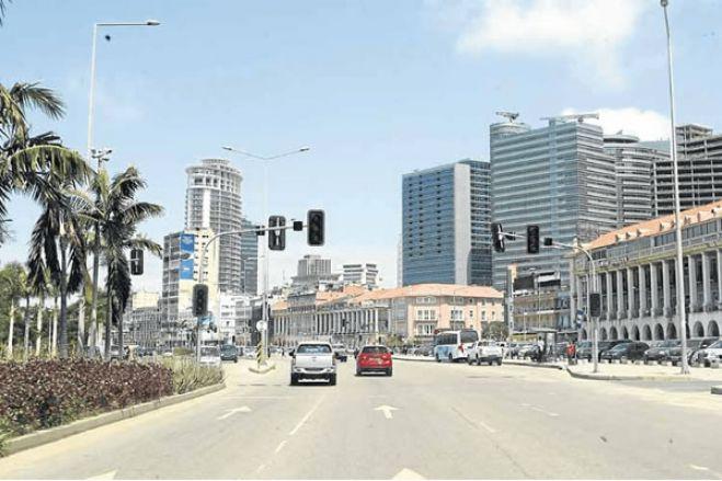 Covid-19: Estado de emergência em Luanda começa de forma ligeira