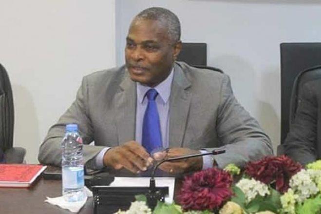 Abel Chivukuvuku impõe condições na criação da Frente Patriótica Unida