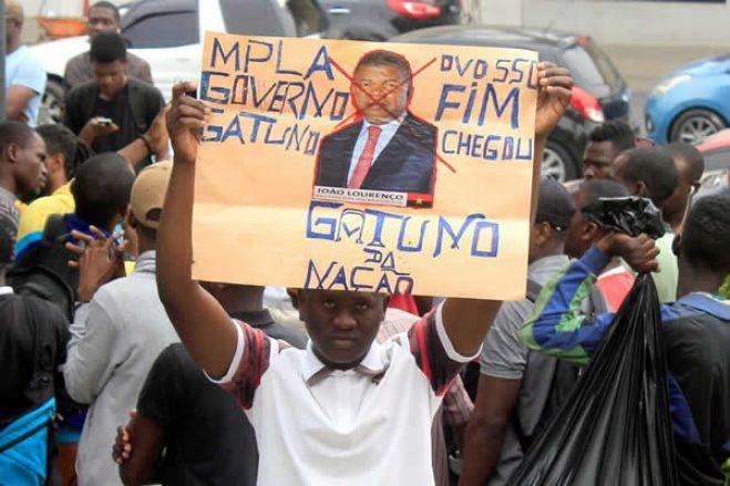 Amigos de Angola pedem a João Lourenço que liberte manifestantes detidos