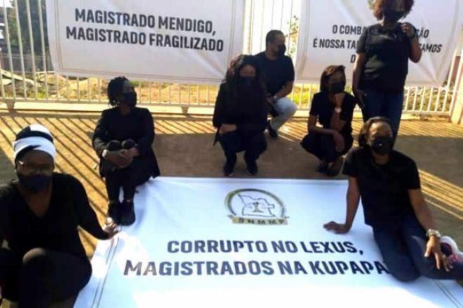Descontentamento de juízes e procuradores angolanos pode abrir a porta à corrupção