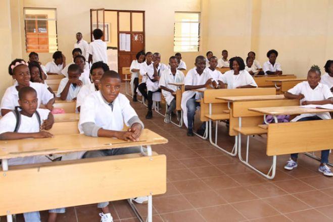 Angola rumo a uma educação fracassada