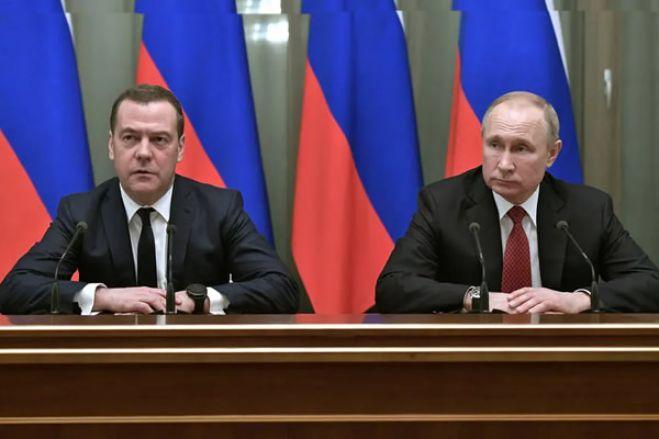 Primeiro-ministro russo Dmitri Medvedev renuncia após discurso de Putin