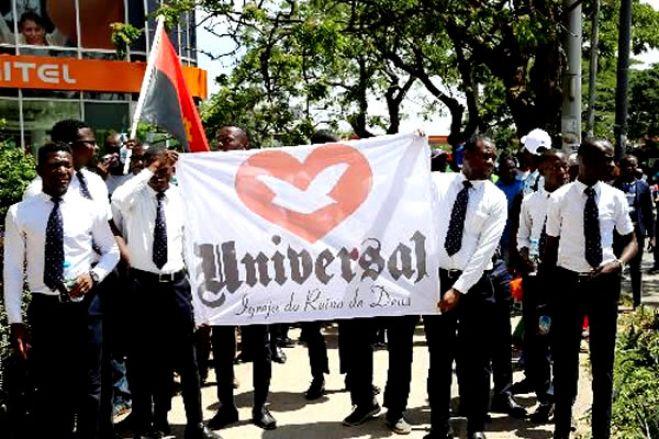 """IURD em Angola em """"guerra civil"""" aberta com insultos e acusações"""
