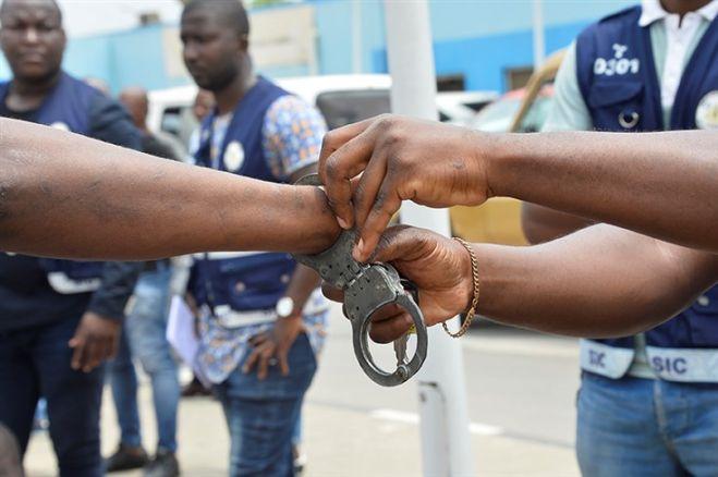 Funcionários do BFA detidos por desvio de mais de um milhão kwanzas