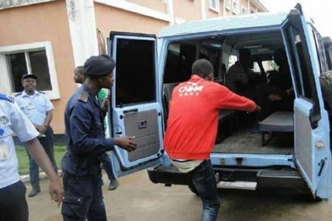 Fiscal detido por ferir com gravidade vendedora ambulante no Lubango