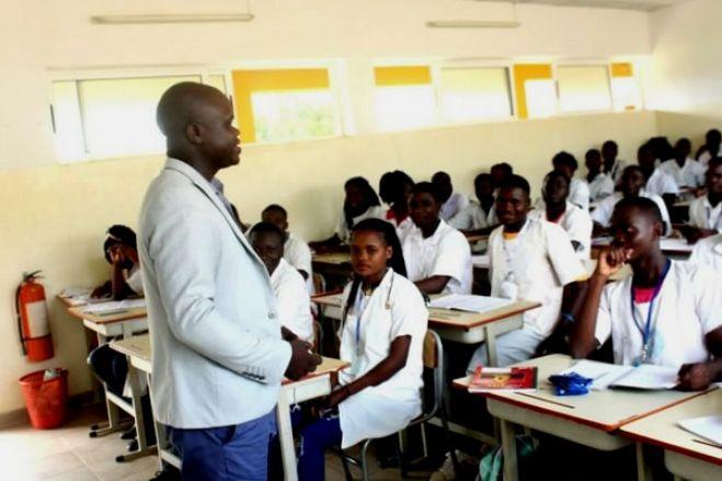 Professores angolanos aplaudem novo calendário escolar de setembro a julho