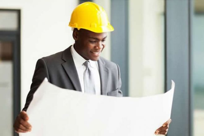 Angola tem menos de 5 mil engenheiros