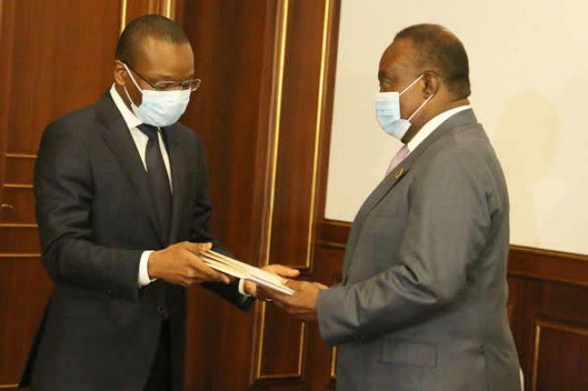 Proposta de lei de Revisão da Constituição entregue ao parlamento