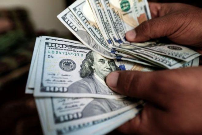 Taxa de câmbio mais alta de sempre nas kinguilas próxima de custo final de transferências bancárias