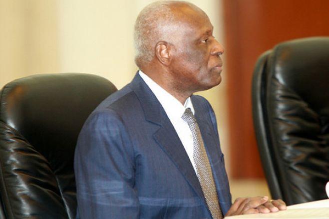 Angola deve parar de pagar despesas de José Eduardo dos Santos se prefere viver em Espanha