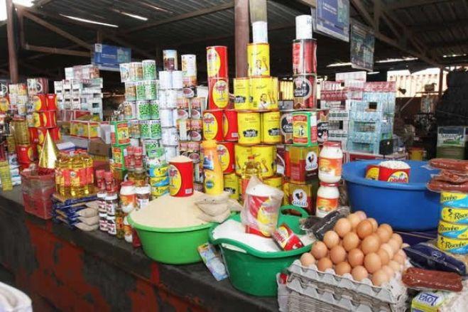 Covid-19: Mercados e venda ambulante em Angola só três vezes por semana