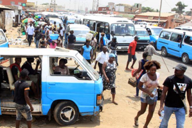 """Covid-19: Administrador angolano quer """"medidas mais duras"""" para milhares que insistem em sair à rua"""