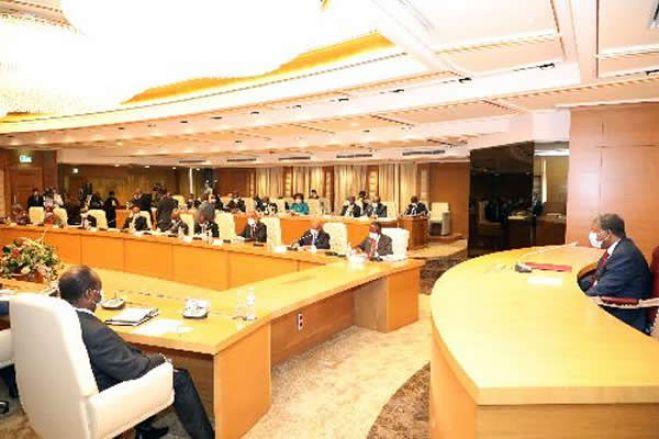 Governo  aprova alterações à lei de investimento privado