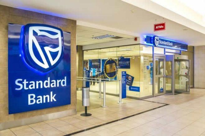 Strandard Bank convoca assembleia-geral para destituir Carlos São Vicente