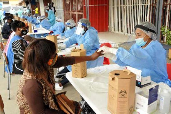 Covid-19: Saúde regista 14 casos reactivos no mercado do Asa Branca