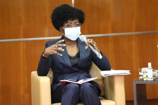 """Angola espera reduzir """"stock"""" da dívida para menos de 100% até 2023"""