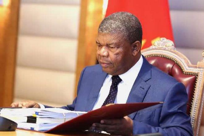 Covid-19: Angola permite possibilidade de rotação de funcionários governamentais