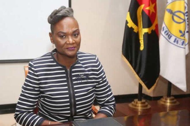 """Comissão de gestão da Ordem dos Médicos de Angola assume funções em cerimónia """"atípica"""""""
