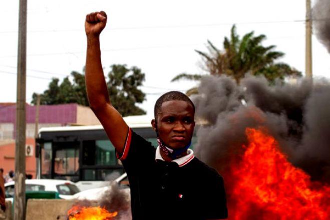 ONG moçambicana pede libertação de detidos em manifestação em Luanda