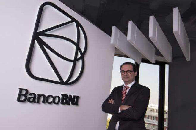 Chineses desistem de comprar banco português e deixam-no em mãos angolanas