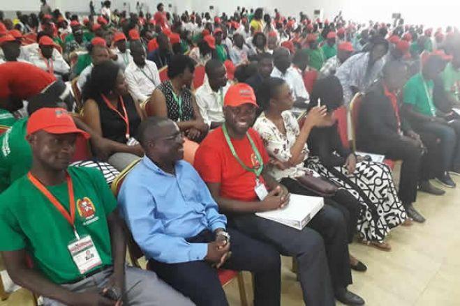 Dois dirigentes da UNITA  em Luanda demitem-se