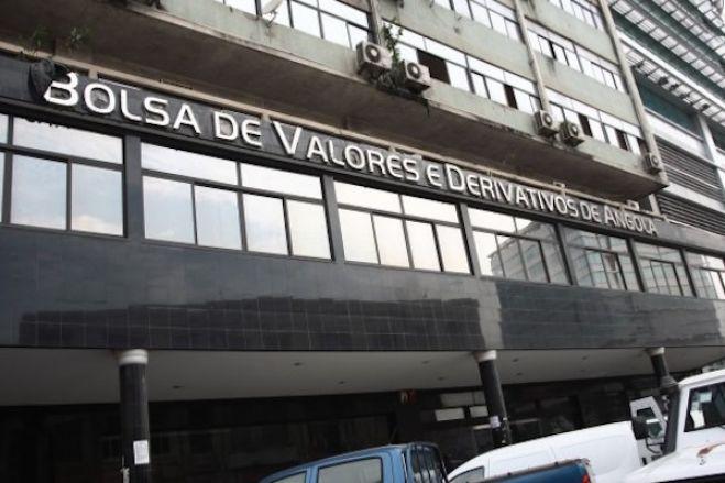 """Empresas angolanas """"resistem"""" à bolsa por """"falta de cultura de boa governança""""- associação"""