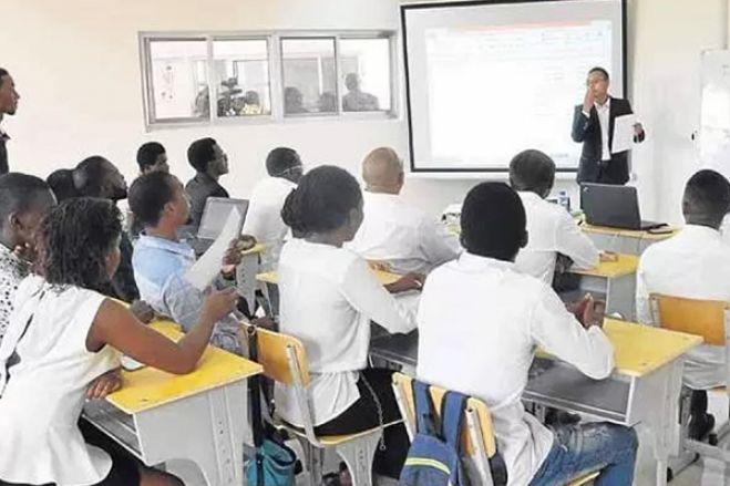 Direcção de Educação em Luanda anula provas de exame da 9.ª classe por fraude