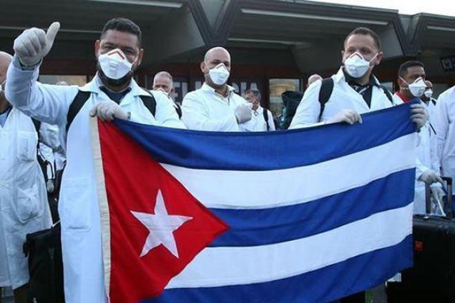 Covid-19: Duas centenas e meia de médicos cubanos chegam a Angola na sexta-feira