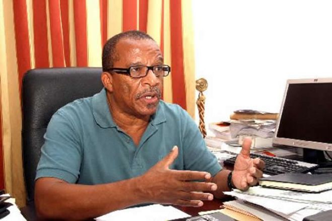 """""""Dirigentes do MPLA receiam ser apanhados como galinhas"""""""