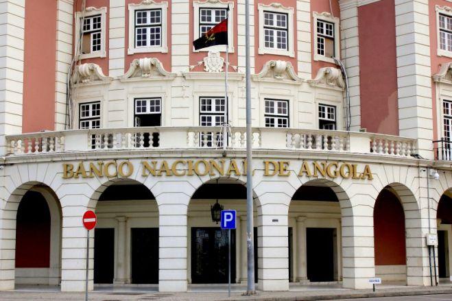 BNA remove obrigação de licença de transferência de capitais a investidores não residentes