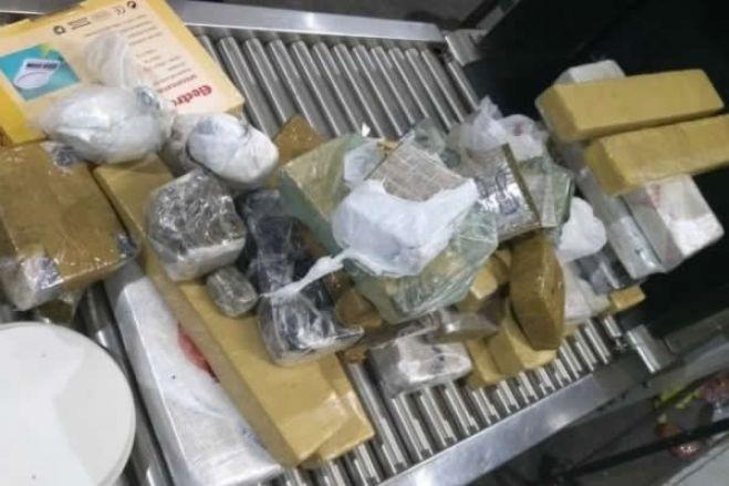 """Policia angolana suspeita que """"pessoas endinheiradas"""" estão no tráfico de drogas"""