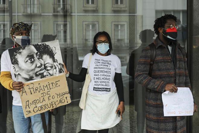 """Doentes angolanos """"em péssimas condições"""" têm até este domingo para abandonar Portugal"""