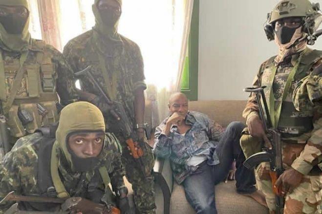 Forças especiais da Guiné-Conacri dizem ter detido Presidente Alpha Condé