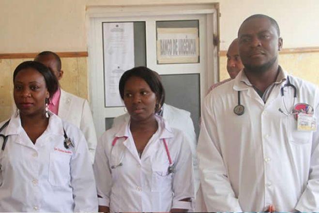 Sindicato questiona contratação de cubanos com médicos angolanos desempregados