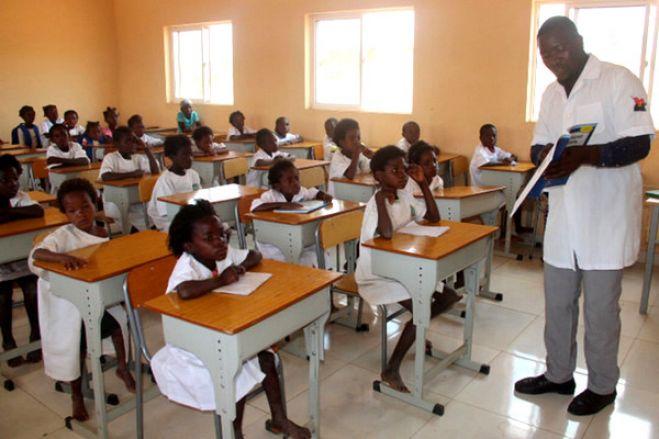 Escolas primárias angolanas sem condições para aulas presenciais – professores